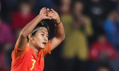 王爽在一百场比赛中两次得分中国女足决赛巴西之战